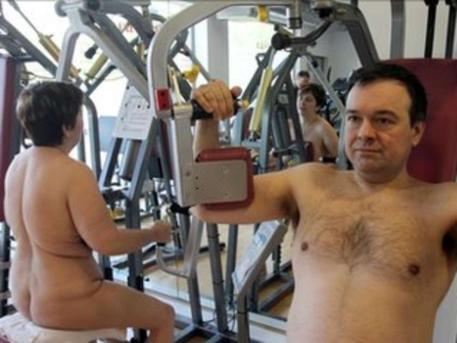 Nackte Frauen aus dem Fitnessstudio
