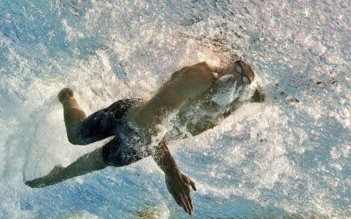 beinschlag beim kraulschwimmen